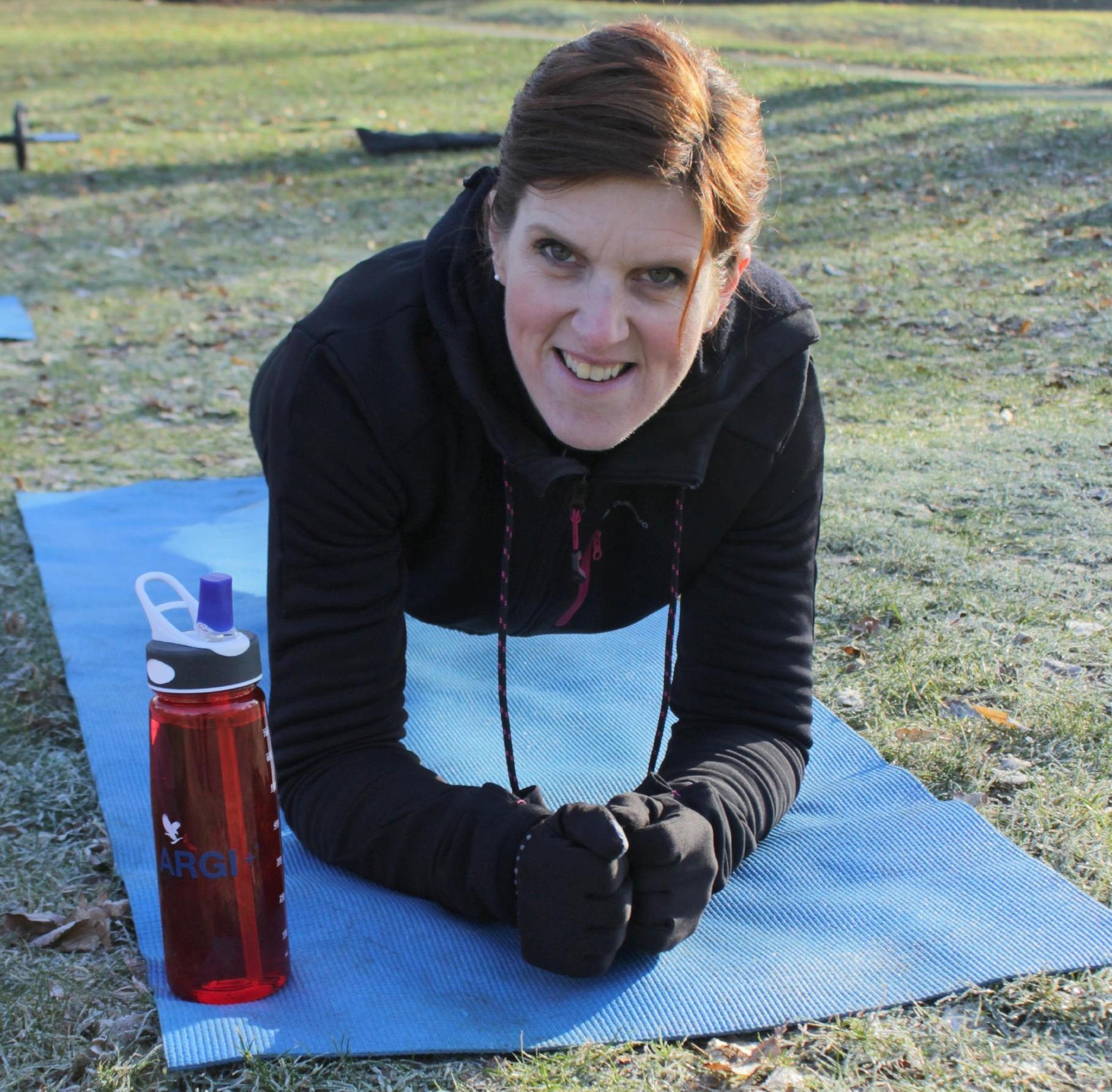 Deze manier van trainen heeft ervoor gezorgd dat ik het sporten makkelijk vol kan houden. Gewoon omdat het leuk is om te doen, en we veel plezier hebben. - Judith