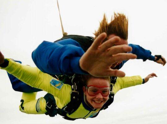 Blog over ondanks onzekerheid toch te gaan doen - Heidi van Kampen - Parachutesprong